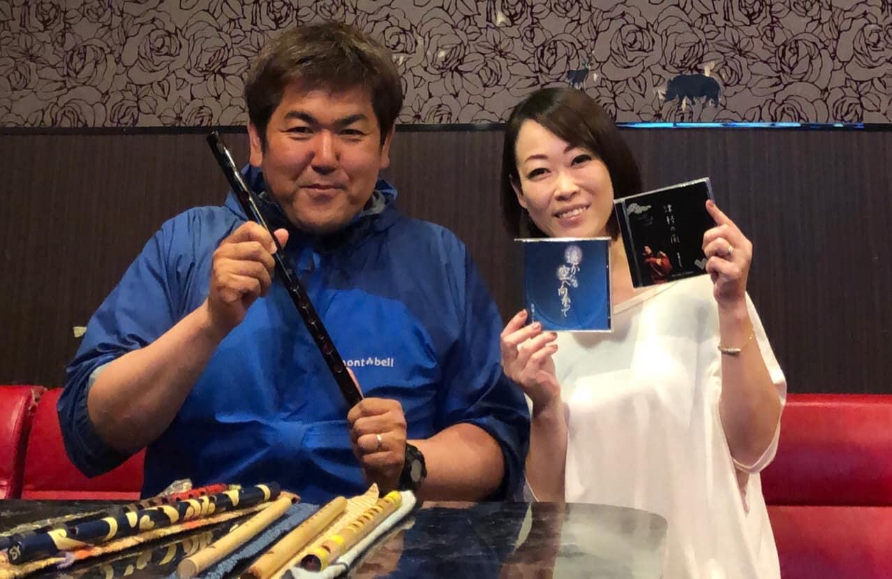 津軽笛奏者・佐藤ぶん太さんとコッペデ・ひろみさん
